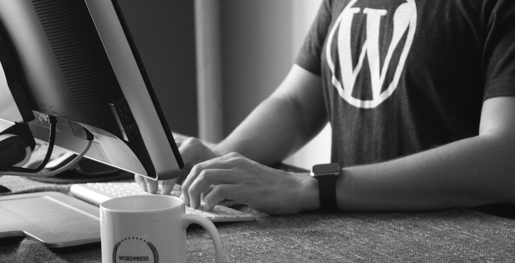 Okładka pod artykuł - Darmowa strona internetowa bez kodowania w 2020? Wciąż WordPress